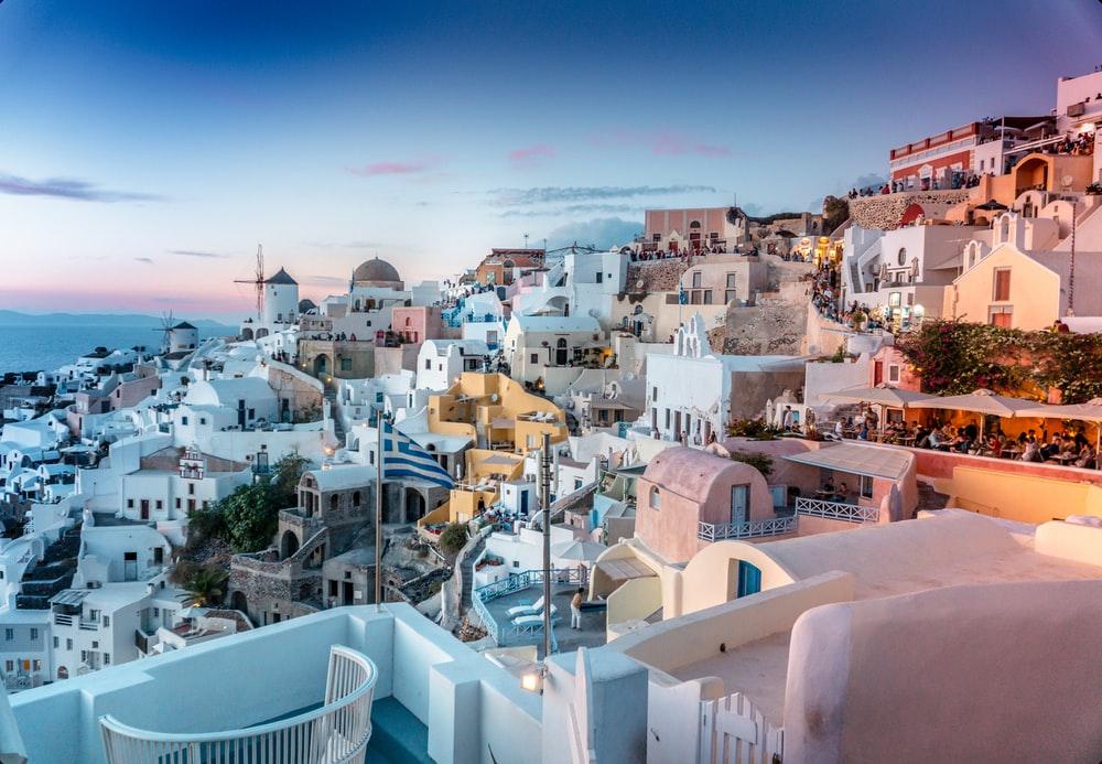 The-main-reasons-you-should-go-to-Santorini